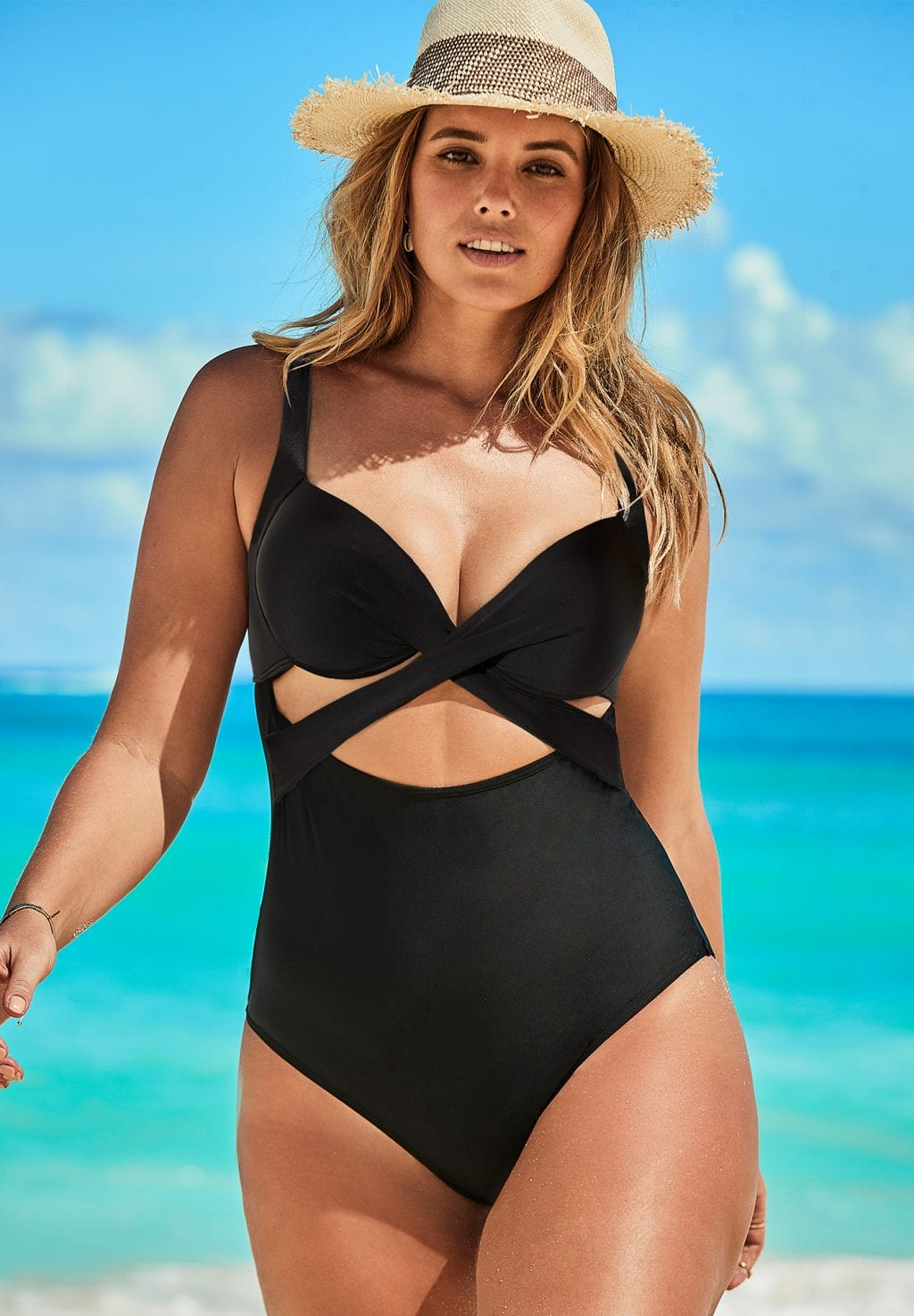 Cut Out Underwire One Piece Swimsuit (Black)